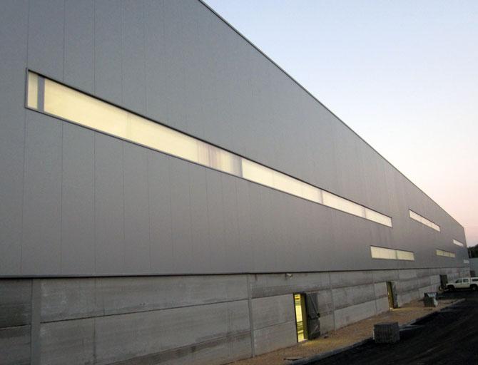מרכז לוגיסטי בקיבוץ גבעת ברנר